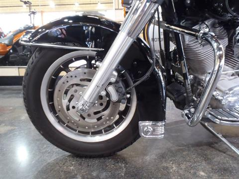 2006 Harley-Davidson Electra Glide® Standard in South Saint Paul, Minnesota - Photo 16