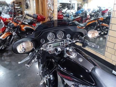 2006 Harley-Davidson Electra Glide® Standard in South Saint Paul, Minnesota - Photo 17