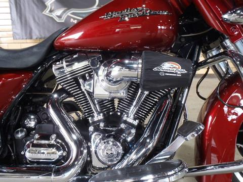 2009 Harley-Davidson Street Glide® in South Saint Paul, Minnesota - Photo 2