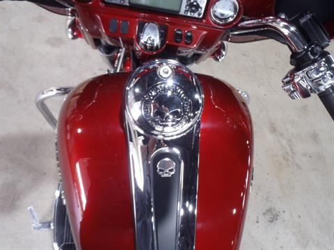 2009 Harley-Davidson Street Glide® in South Saint Paul, Minnesota - Photo 15