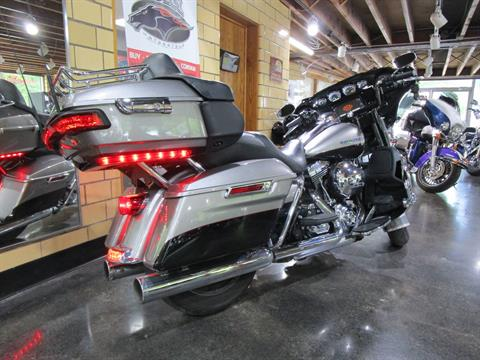 2016 Harley-Davidson Ultra Limited in South Saint Paul, Minnesota - Photo 5