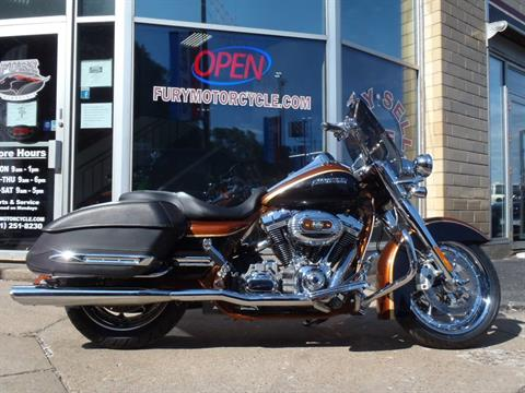 2008 Harley-Davidson CVO™ Screamin' Eagle® Road King® in South Saint Paul, Minnesota - Photo 2