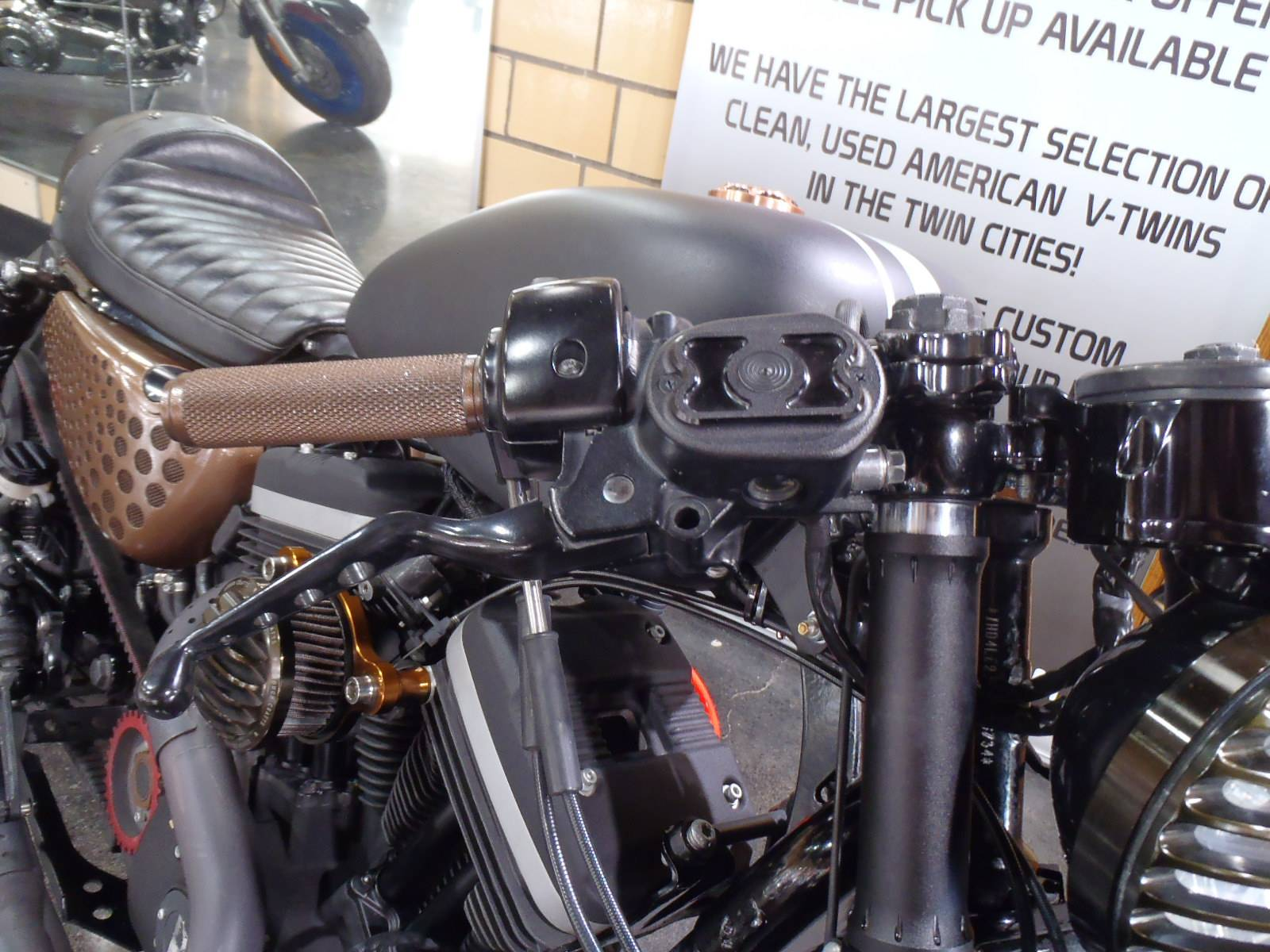 2012 Harley-Davidson Sportster® Iron 883™ in South Saint Paul, Minnesota - Photo 6