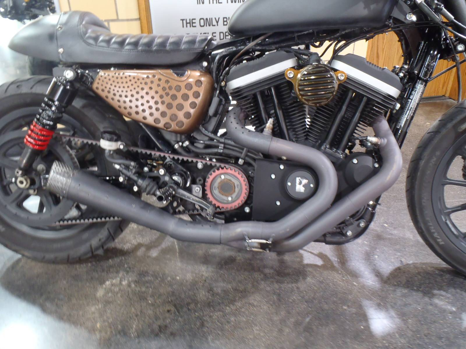 2012 Harley-Davidson Sportster® Iron 883™ in South Saint Paul, Minnesota - Photo 8