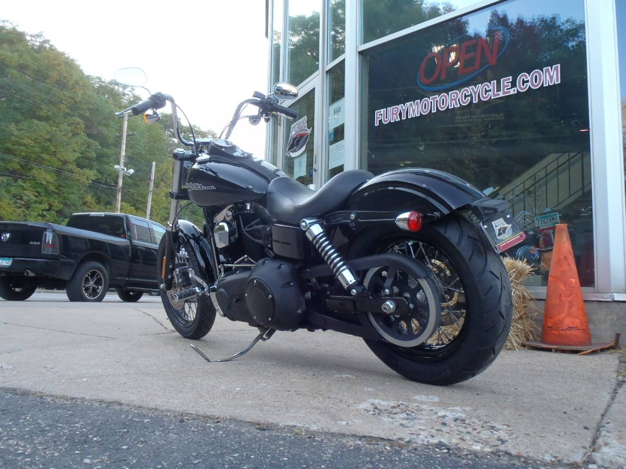 2014 Harley-Davidson Dyna® Street Bob® in South Saint Paul, Minnesota - Photo 13