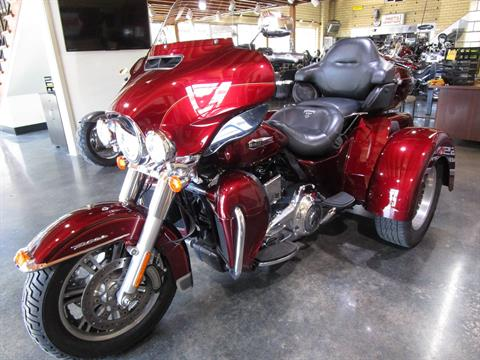 2016 Harley-Davidson Tri Glide® Ultra in South Saint Paul, Minnesota - Photo 17