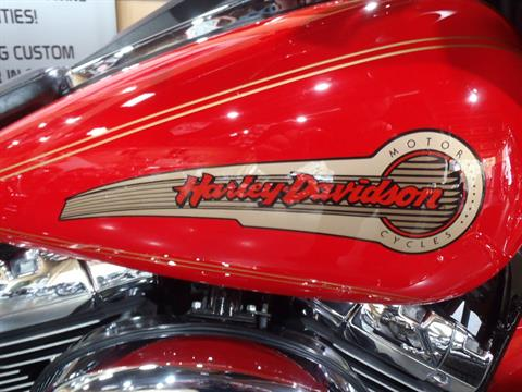 2002 Harley-Davidson FLHTCUI Ultra Classic® Electra Glide® in South Saint Paul, Minnesota - Photo 5