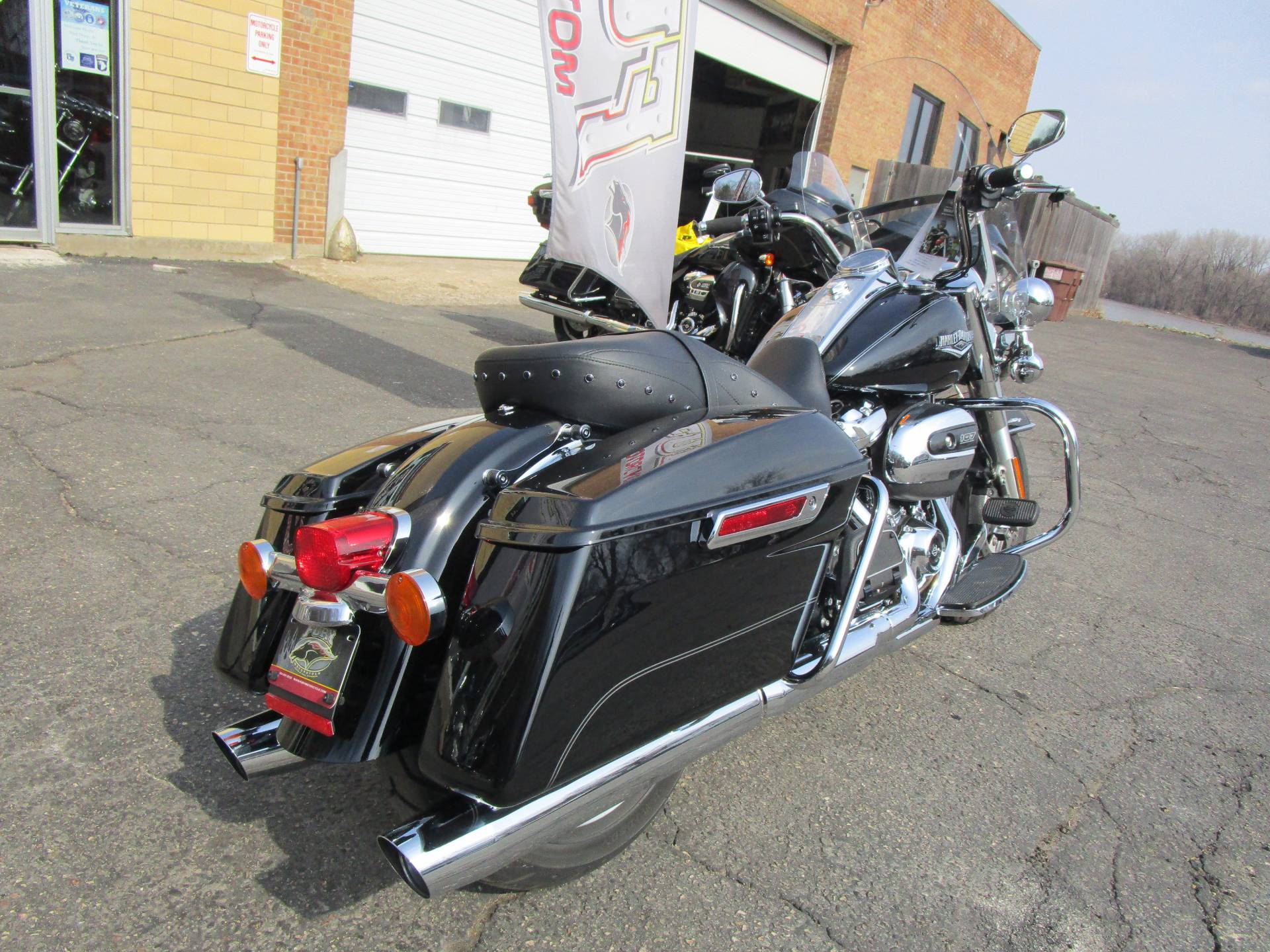 2017 Harley-Davidson Road King® in South Saint Paul, Minnesota - Photo 6