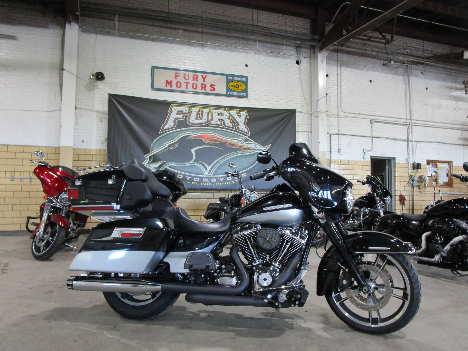 2012 Harley-Davidson FLHTK LIMITED in South Saint Paul, Minnesota - Photo 1