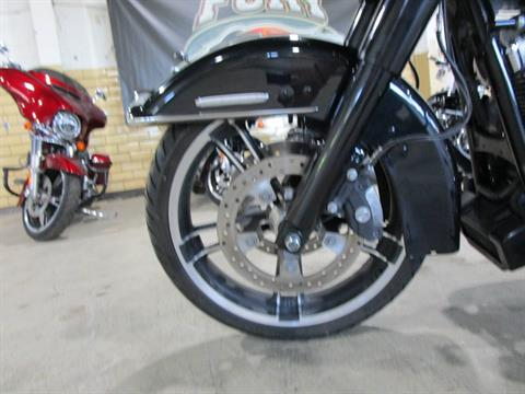 2012 Harley-Davidson FLHTK LIMITED in South Saint Paul, Minnesota - Photo 14