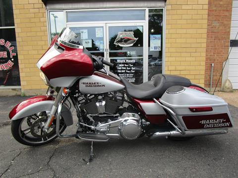 2017 Harley-Davidson Street Glide® in South Saint Paul, Minnesota
