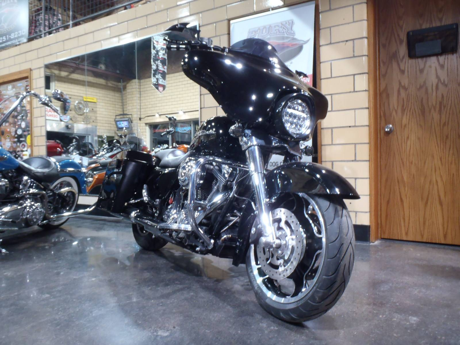 2010 Harley-Davidson Street Glide® in South Saint Paul, Minnesota - Photo 3