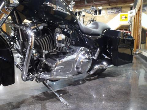 2010 Harley-Davidson Street Glide® in South Saint Paul, Minnesota - Photo 15