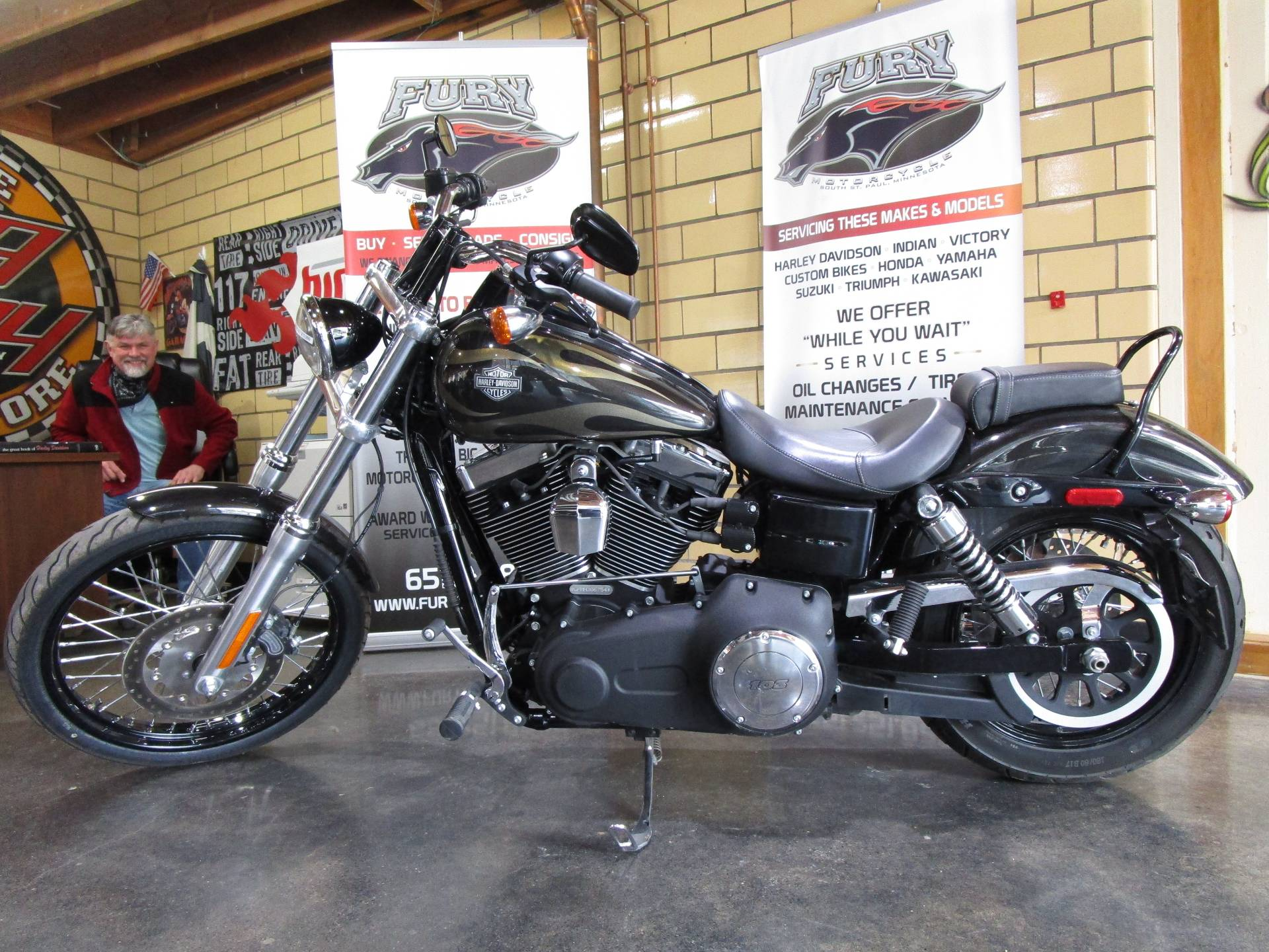 2017 Harley-Davidson Wide Glide in South Saint Paul, Minnesota - Photo 11