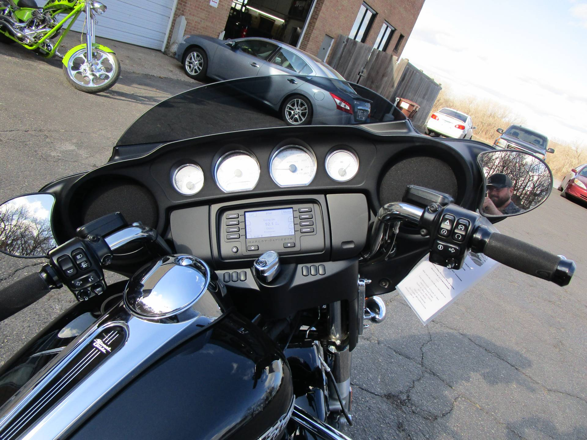 2017 Harley-Davidson Street Glide® in South Saint Paul, Minnesota - Photo 11