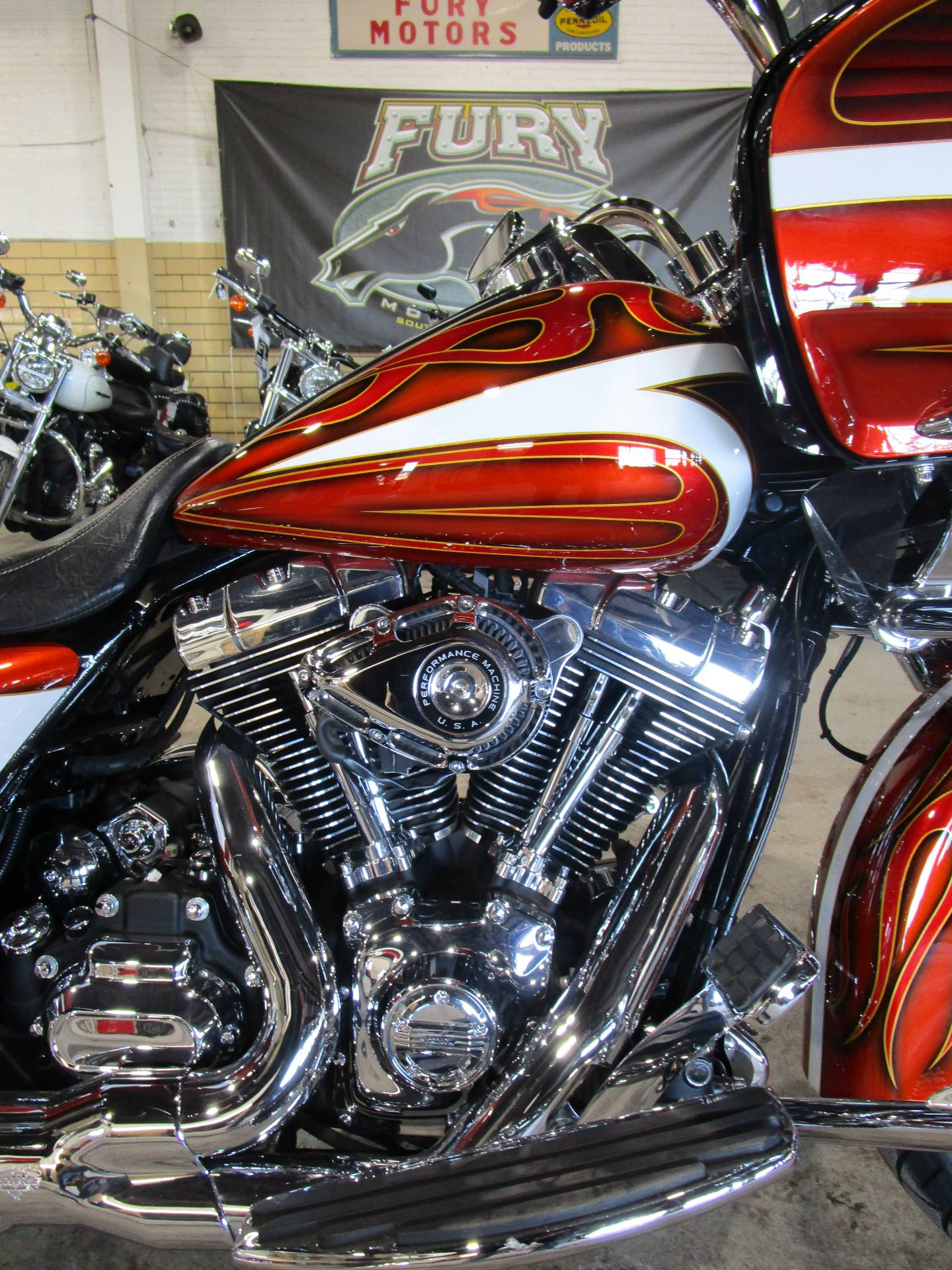 2016 Harley-Davidson Road Glide® Special in South Saint Paul, Minnesota - Photo 2