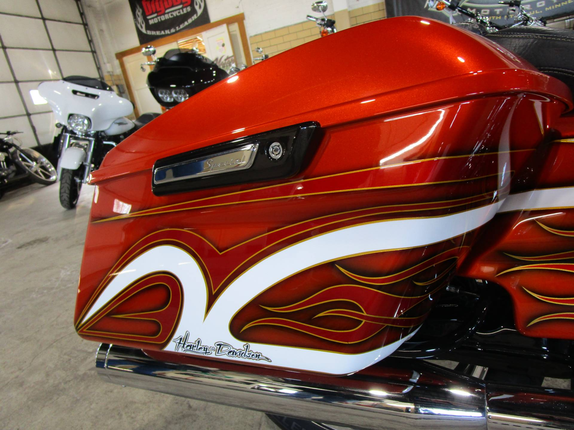 2016 Harley-Davidson Road Glide® Special in South Saint Paul, Minnesota - Photo 15