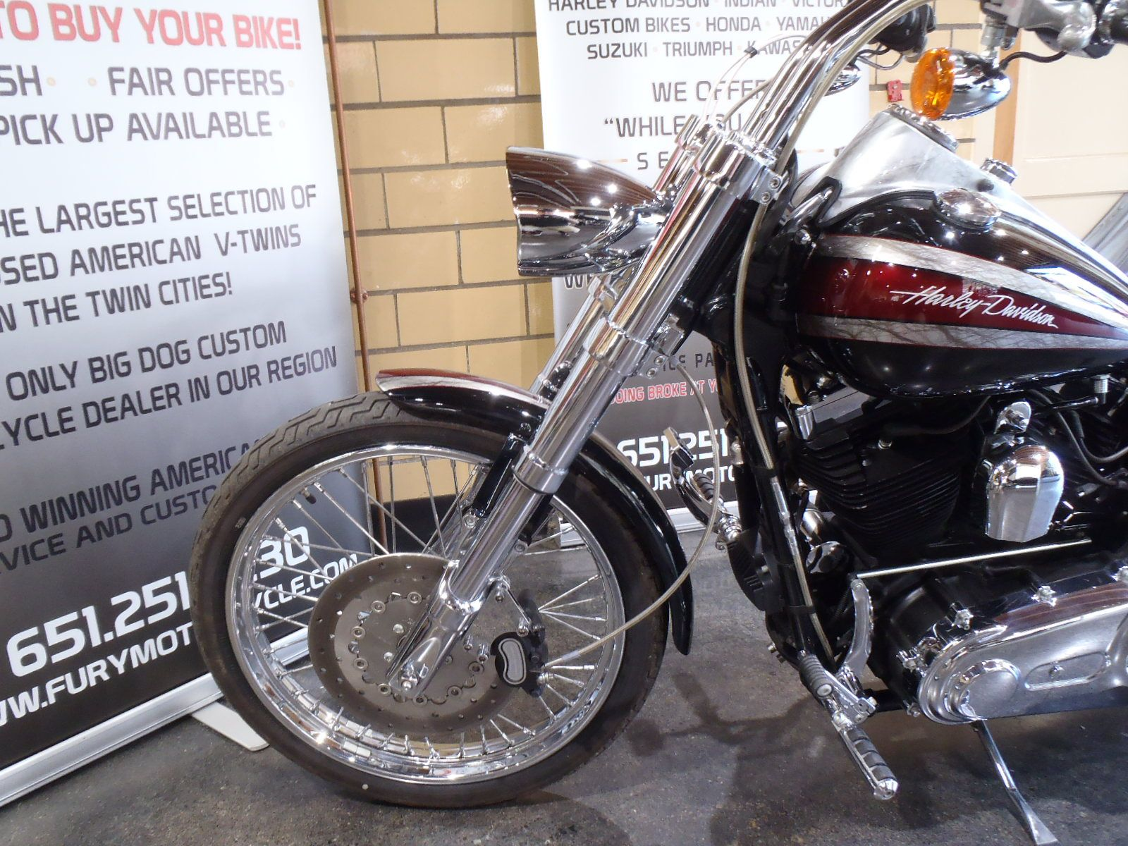 2009 Harley-Davidson Dyna Super Glide Custom in South Saint Paul, Minnesota - Photo 15