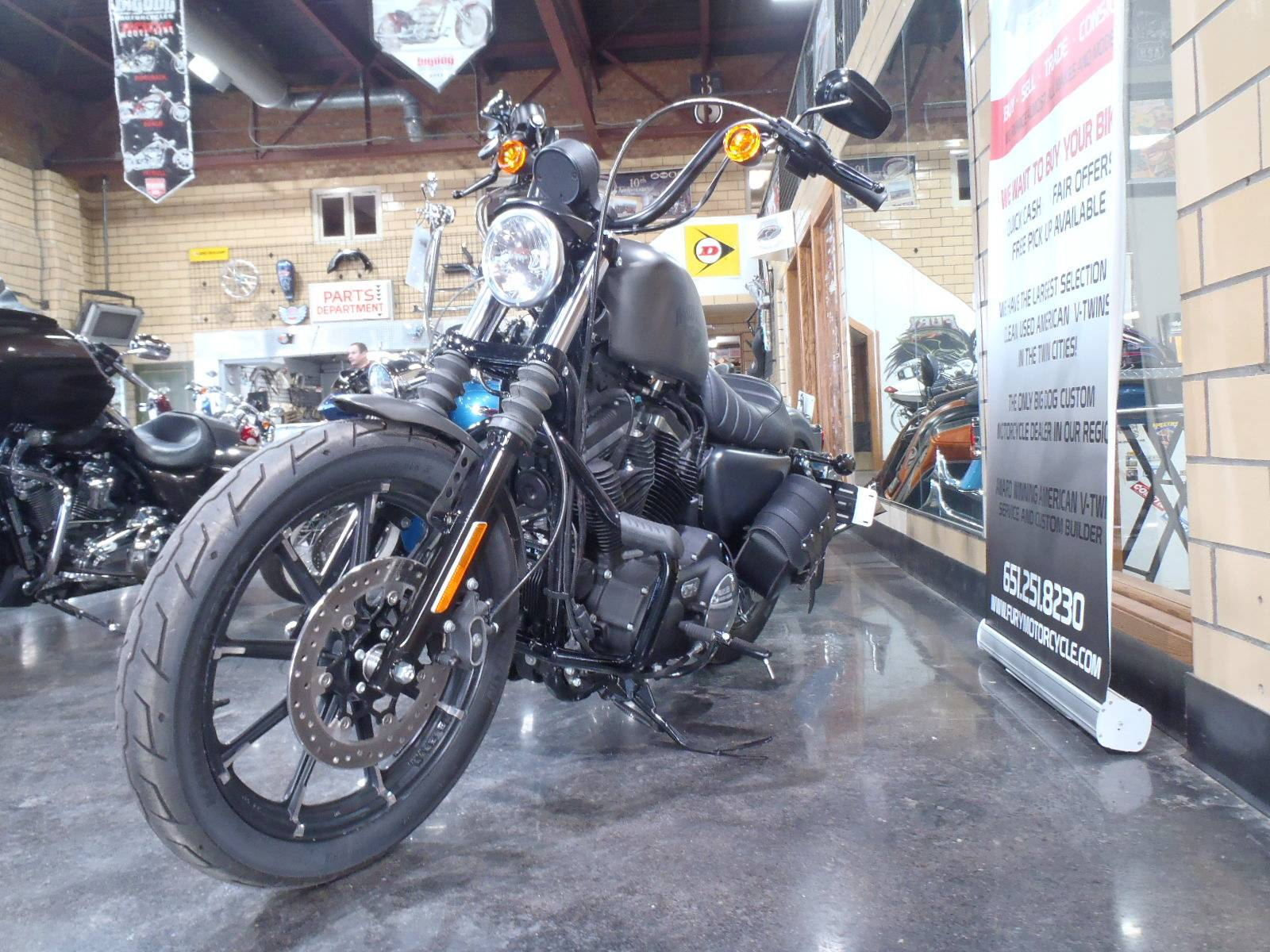 2018 Harley-Davidson Iron 883™ in South Saint Paul, Minnesota - Photo 3