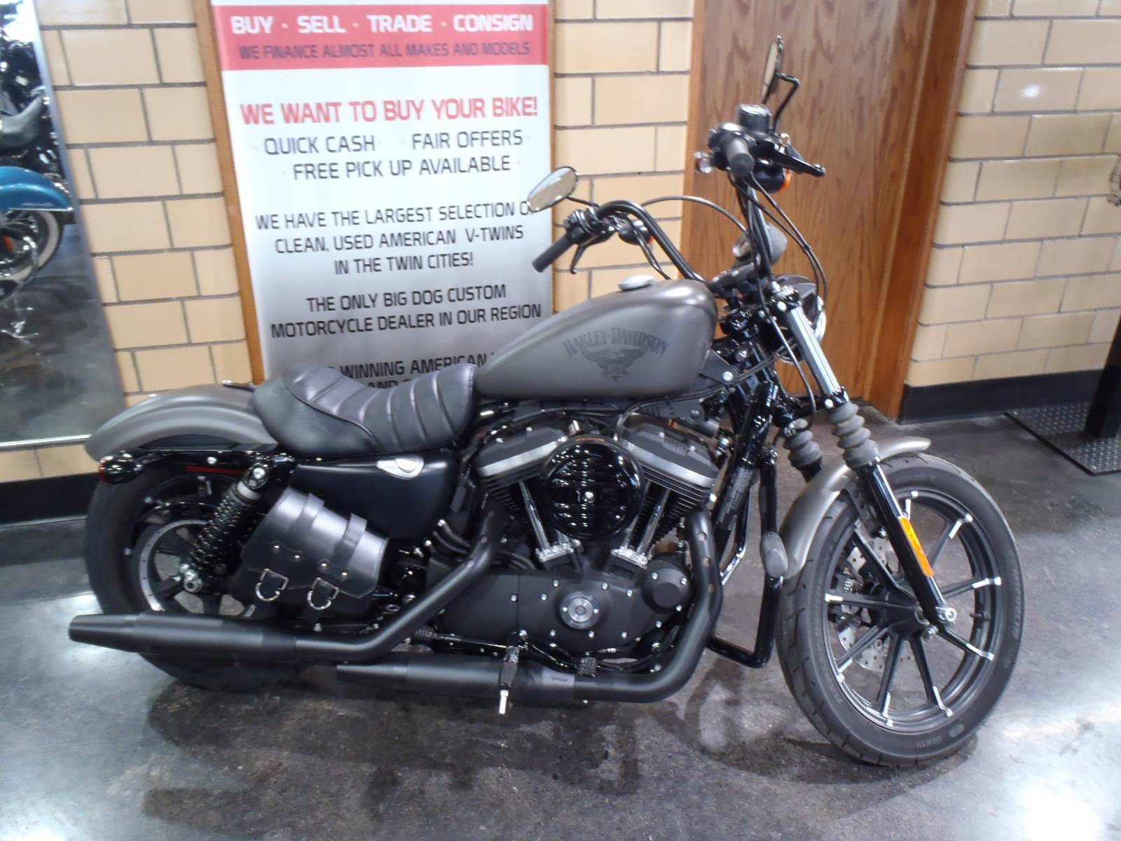 2018 Harley-Davidson Iron 883™ in South Saint Paul, Minnesota - Photo 6