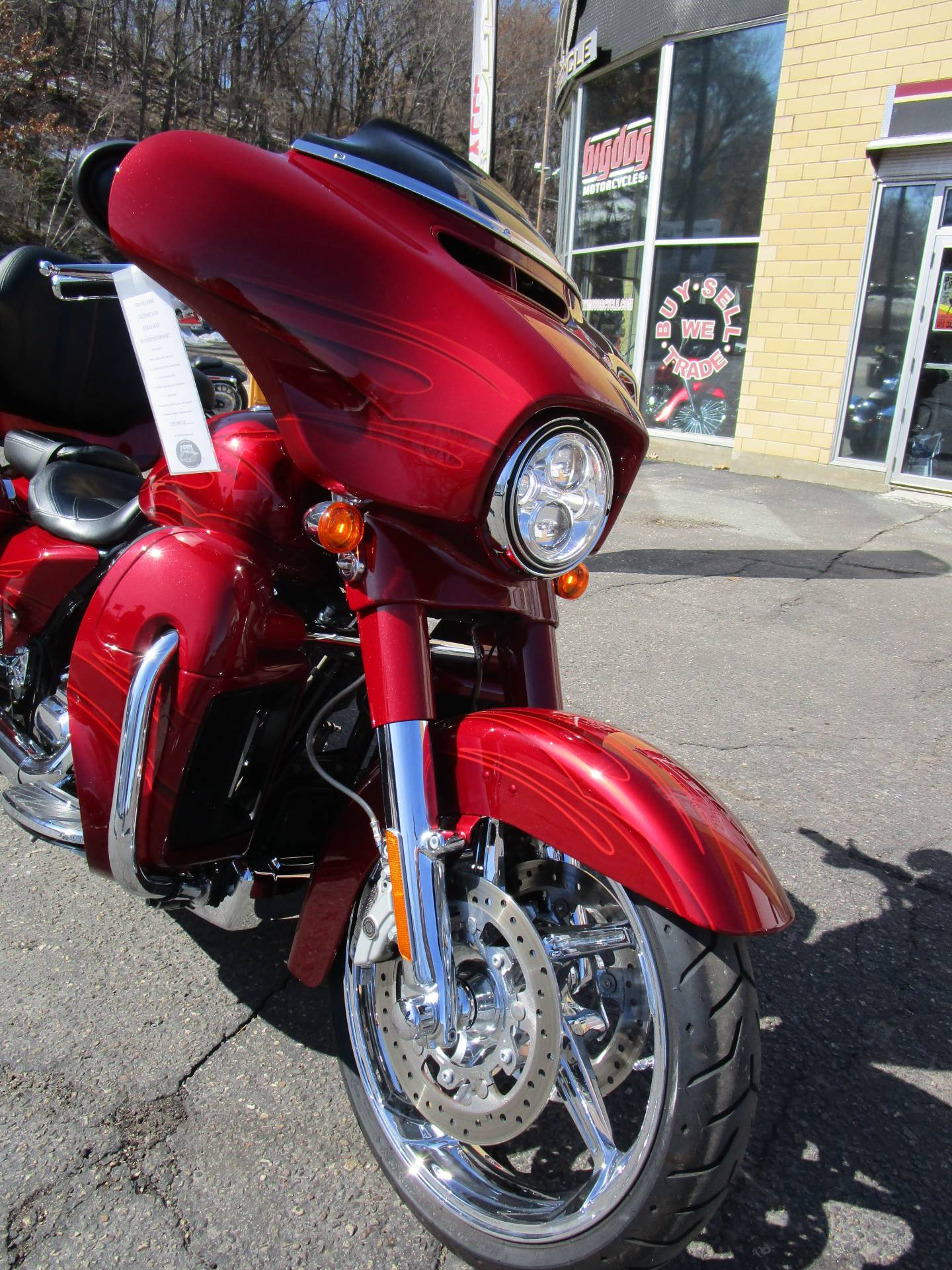 2016 Harley-Davidson CVO™ Street Glide® in South Saint Paul, Minnesota