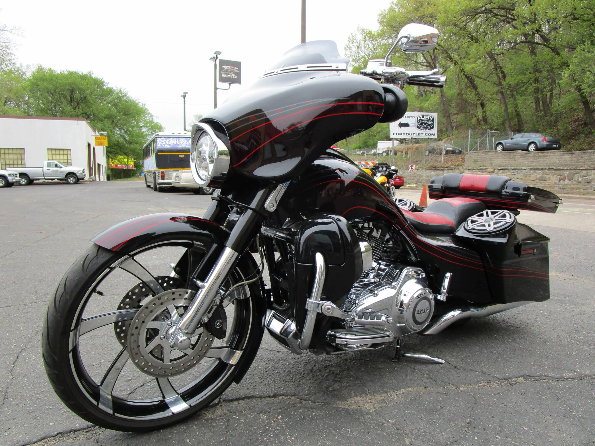 2011 Harley-Davidson CVO™ Street Glide® in South Saint Paul, Minnesota