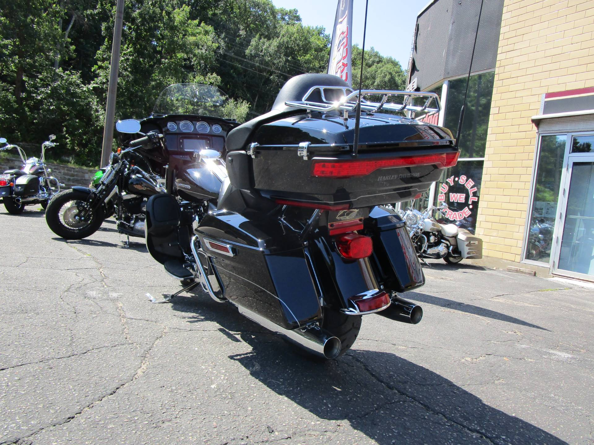 2016 Harley-Davidson Ultra Limited in South Saint Paul, Minnesota - Photo 8