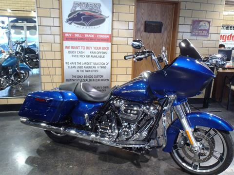 2017 Harley-Davidson Road Glide® Special in South Saint Paul, Minnesota - Photo 5