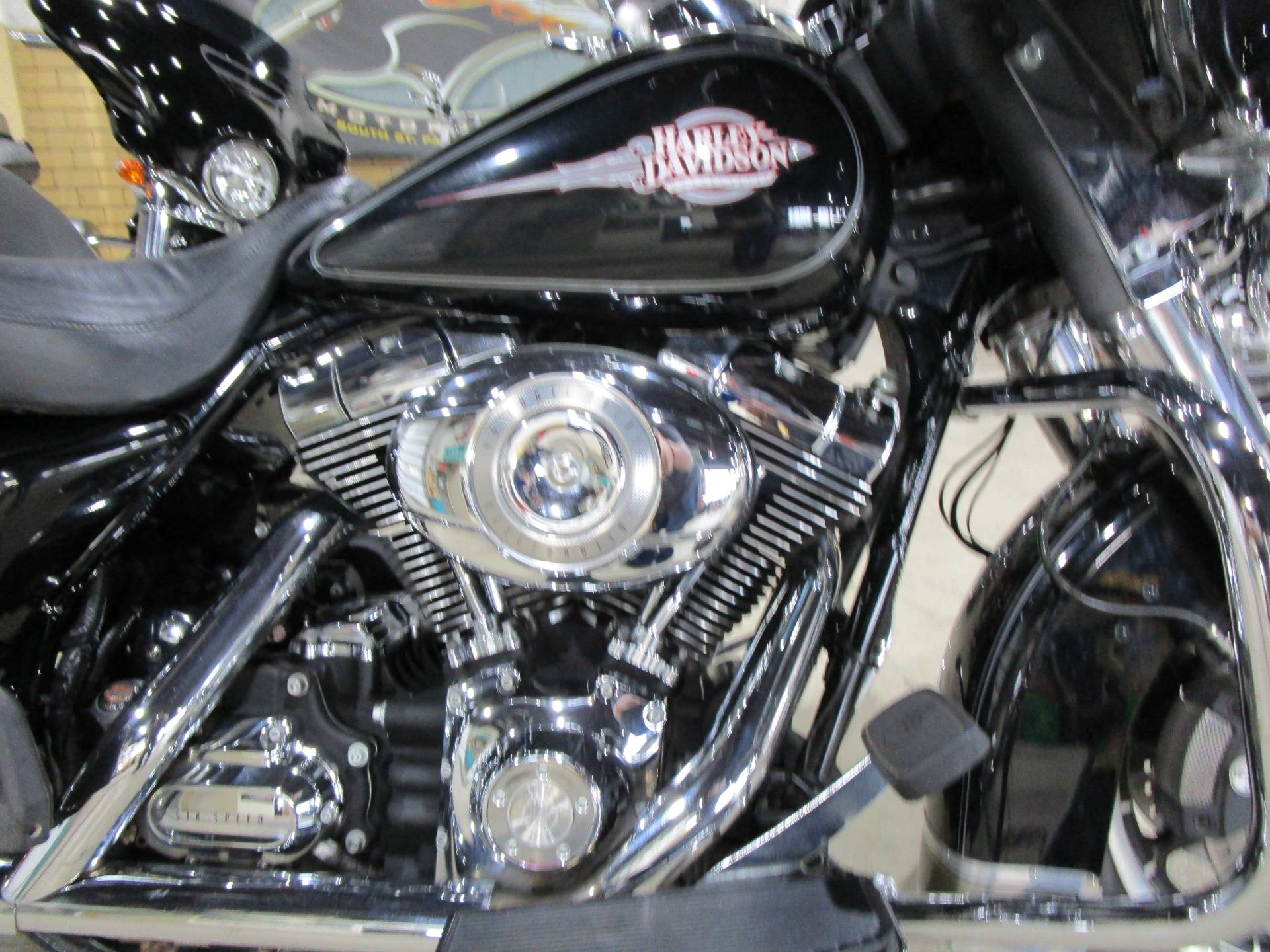 2008 Harley-Davidson FLHTC ELECTRA GLIDE CLASSIC in South Saint Paul, Minnesota - Photo 3