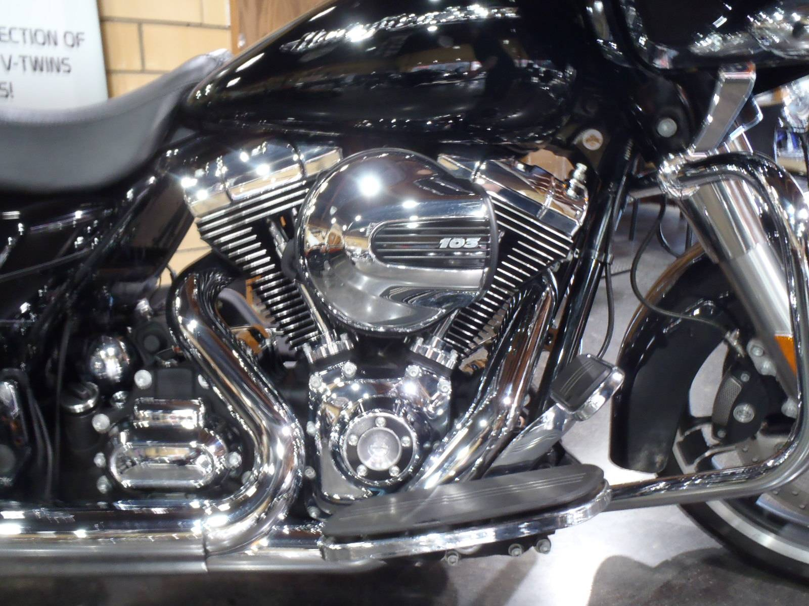2015 Harley-Davidson Road Glide® Special in South Saint Paul, Minnesota - Photo 4