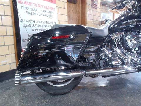 2015 Harley-Davidson Road Glide® Special in South Saint Paul, Minnesota - Photo 5