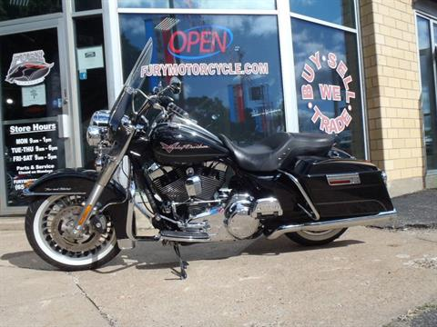 2010 Harley-Davidson Road King® in South Saint Paul, Minnesota - Photo 9