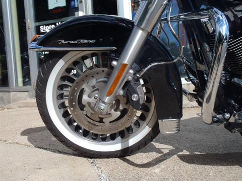 2010 Harley-Davidson Road King® in South Saint Paul, Minnesota - Photo 10