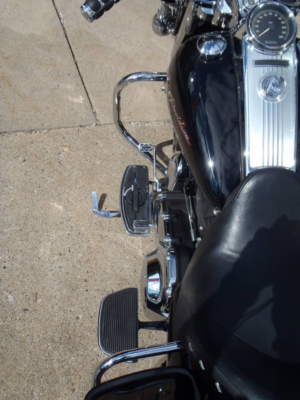 2010 Harley-Davidson Road King® in South Saint Paul, Minnesota - Photo 19