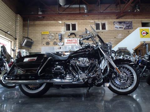 2010 Harley-Davidson Road King® in South Saint Paul, Minnesota - Photo 20