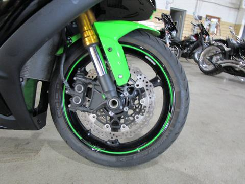 2015 Kawasaki NINJA ZX-10R in South Saint Paul, Minnesota - Photo 2