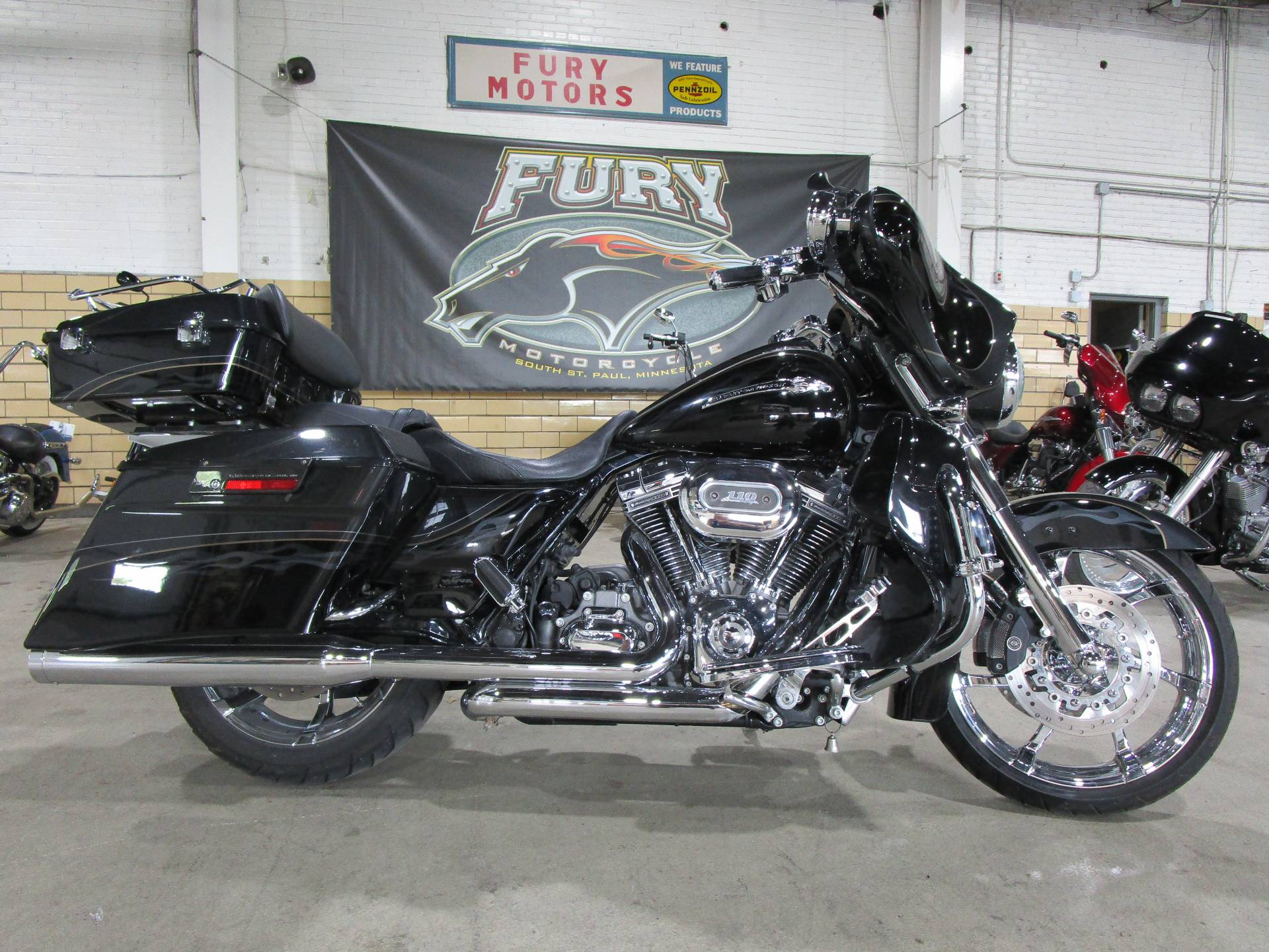 2012 Harley-Davidson CVO™ Street Glide® in South Saint Paul, Minnesota - Photo 1