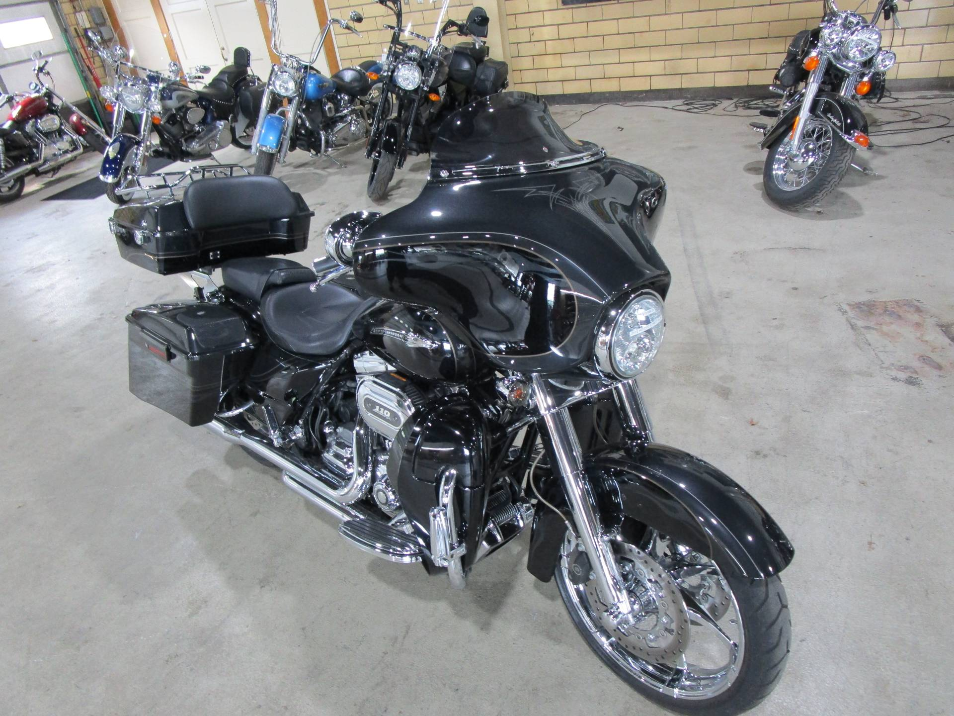 2012 Harley-Davidson CVO™ Street Glide® in South Saint Paul, Minnesota - Photo 4