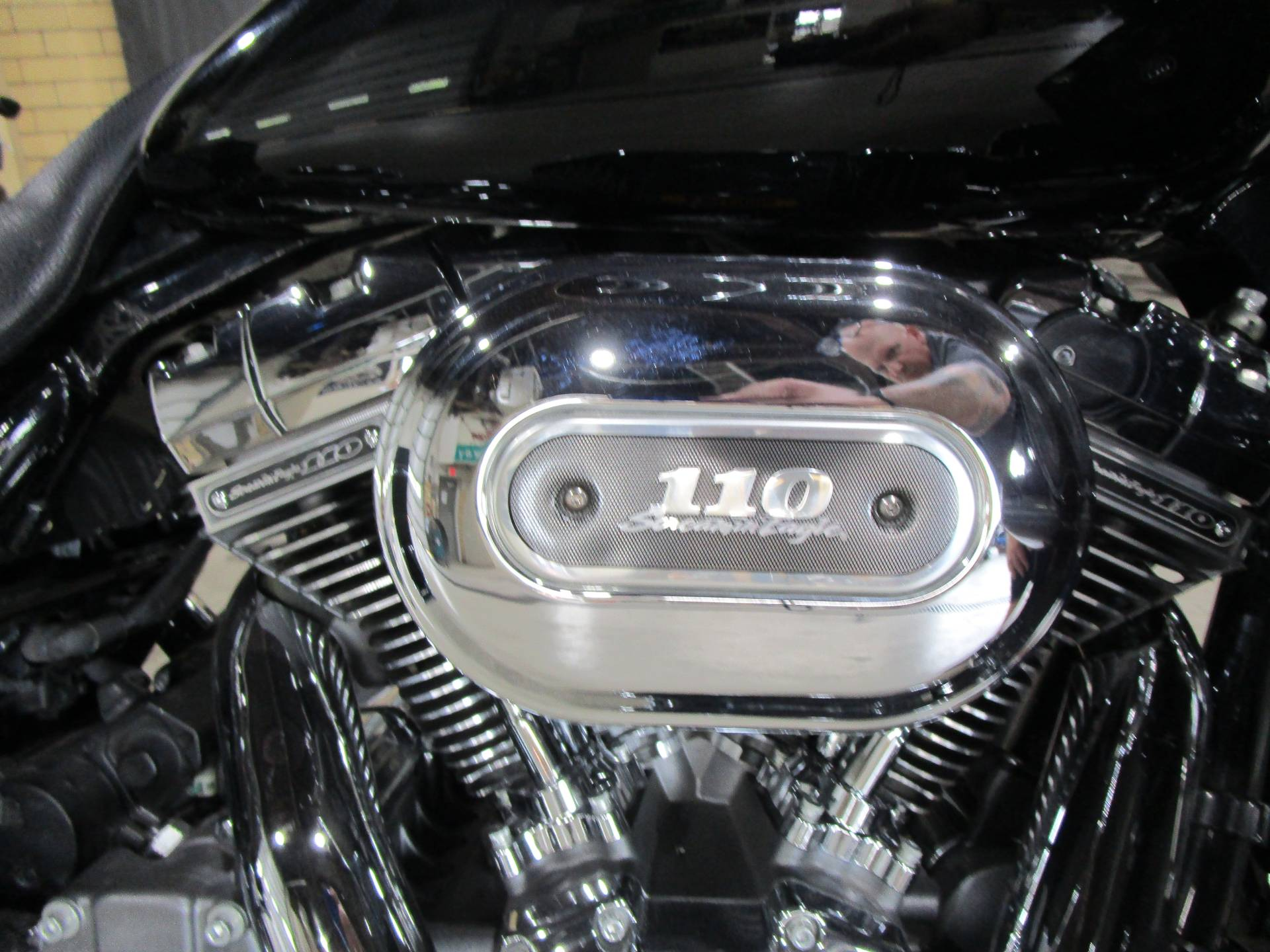 2012 Harley-Davidson CVO™ Street Glide® in South Saint Paul, Minnesota - Photo 7