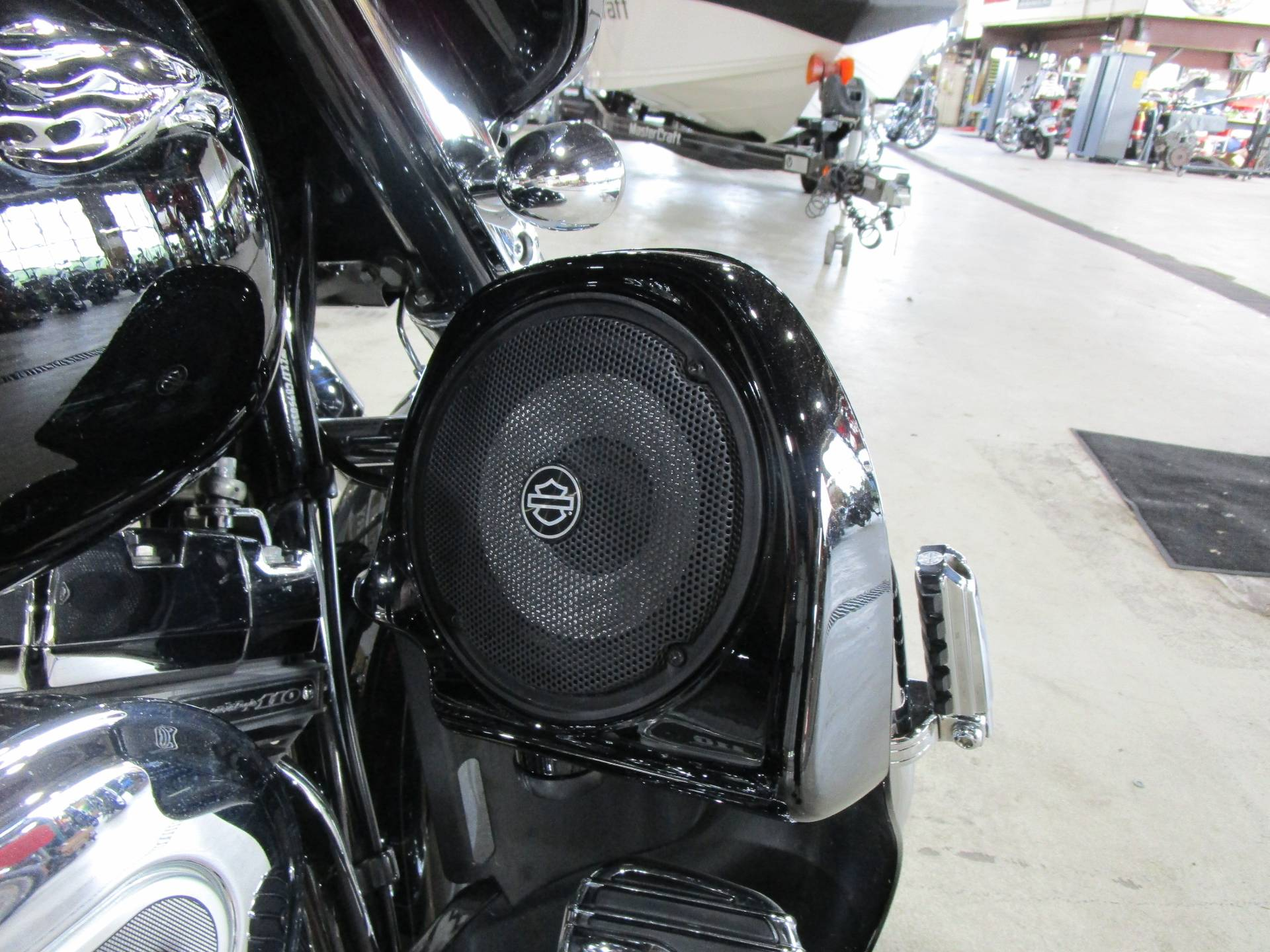 2012 Harley-Davidson CVO™ Street Glide® in South Saint Paul, Minnesota - Photo 10
