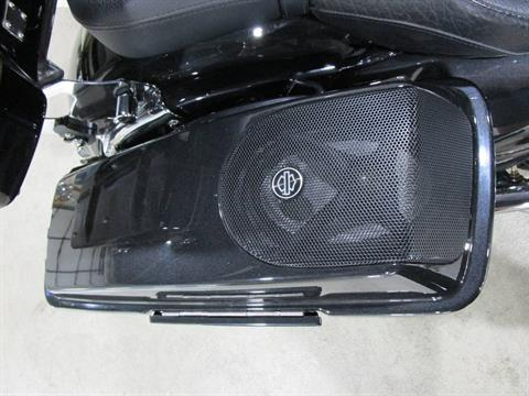 2012 Harley-Davidson CVO™ Street Glide® in South Saint Paul, Minnesota - Photo 13