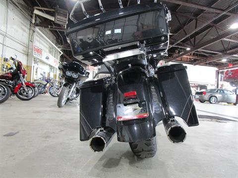 2012 Harley-Davidson CVO™ Street Glide® in South Saint Paul, Minnesota - Photo 16