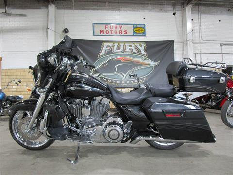 2012 Harley-Davidson CVO™ Street Glide® in South Saint Paul, Minnesota - Photo 25