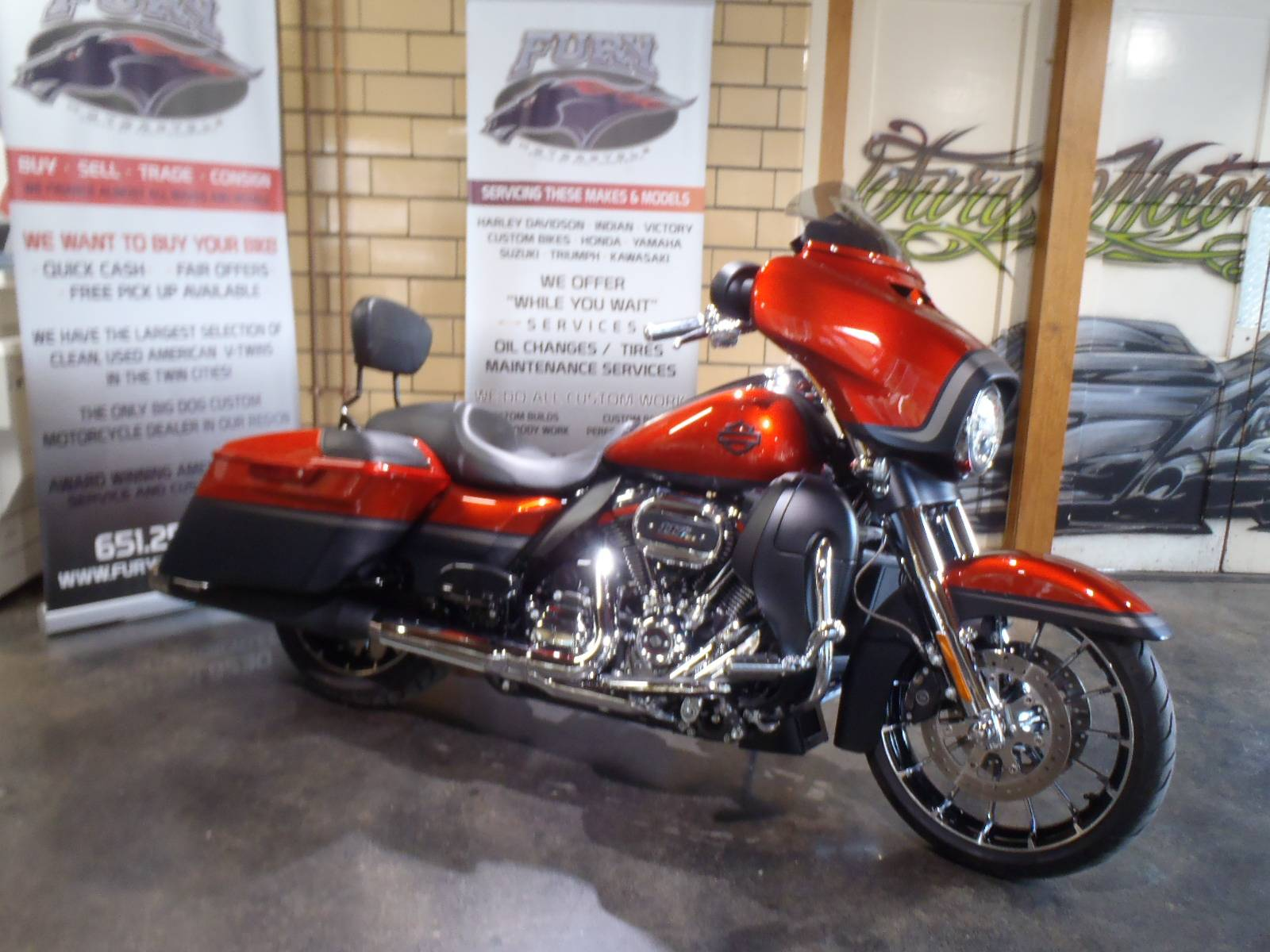 2018 Harley-Davidson CVO™ Street Glide® in South Saint Paul, Minnesota - Photo 1