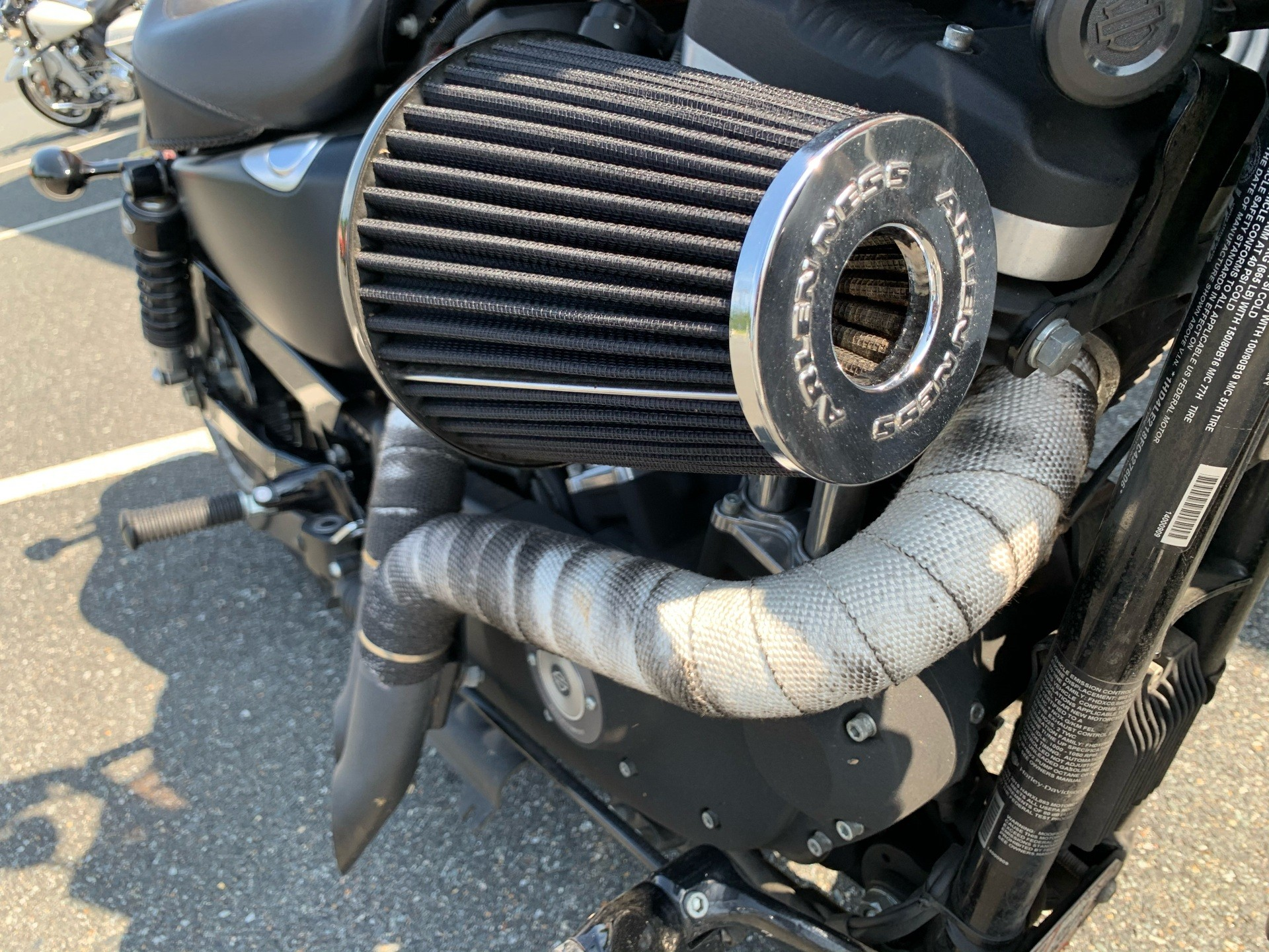 2015 Harley-Davidson Iron 883™ in Fredericksburg, Virginia - Photo 4