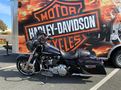 2020 Harley-Davidson Street Glide® in Fredericksburg, Virginia - Photo 10