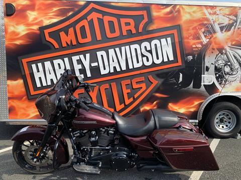 2018 Harley-Davidson Street Glide® Special in Fredericksburg, Virginia - Photo 2