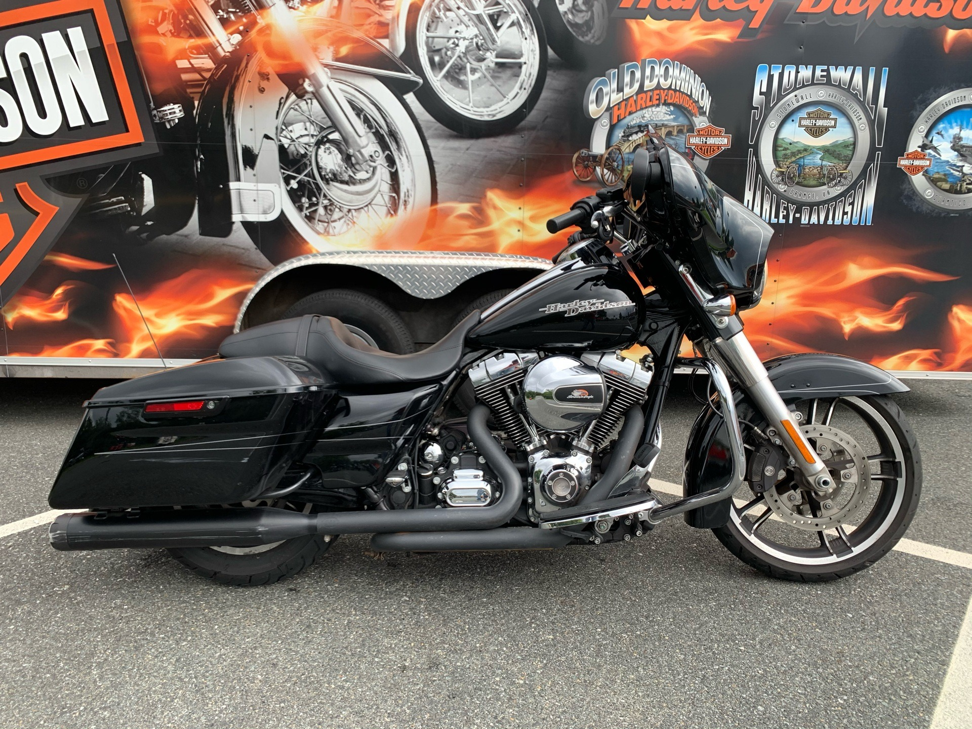 2016 Harley-Davidson Street Glide® Special in Fredericksburg, Virginia - Photo 1