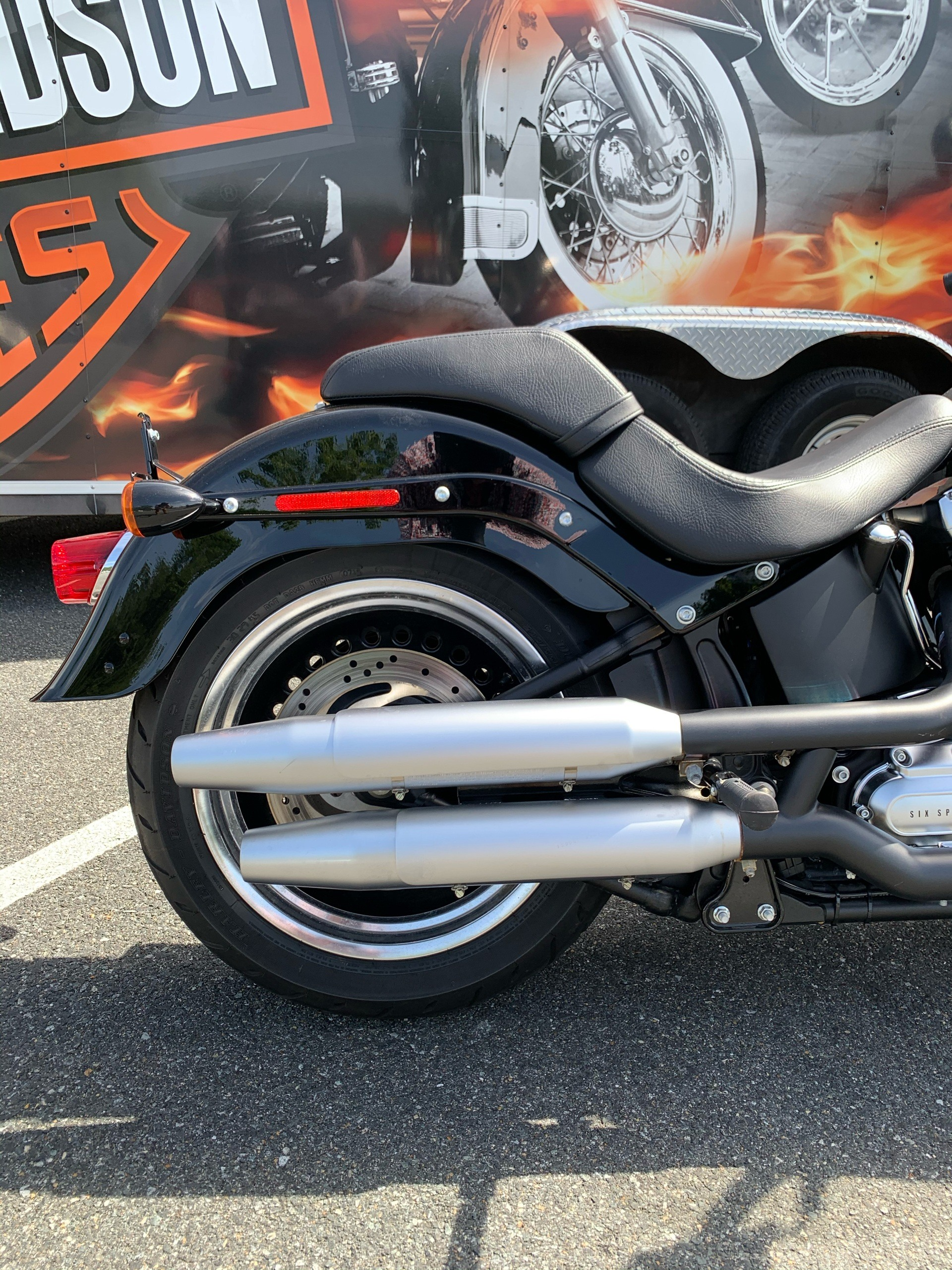2016 Harley-Davidson Fat Boy® Lo in Fredericksburg, Virginia - Photo 5