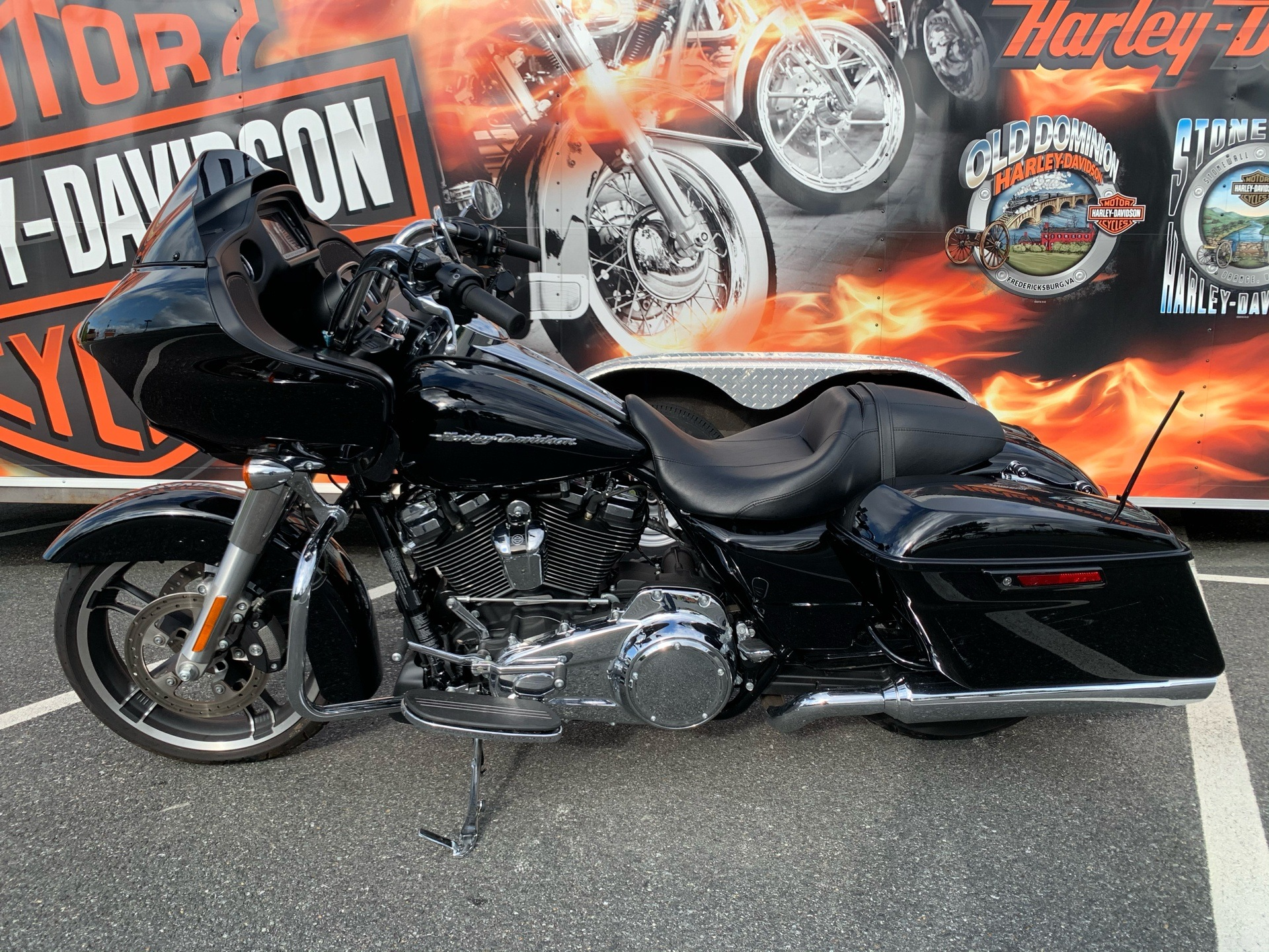 2018 Harley-Davidson Road Glide® in Fredericksburg, Virginia - Photo 8